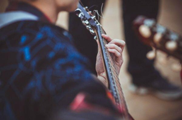 Жлобинская молодёжь отметит наступление весны на улицах города под гитару